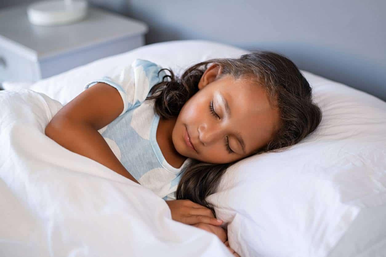 sommeil enfant ciel de lit